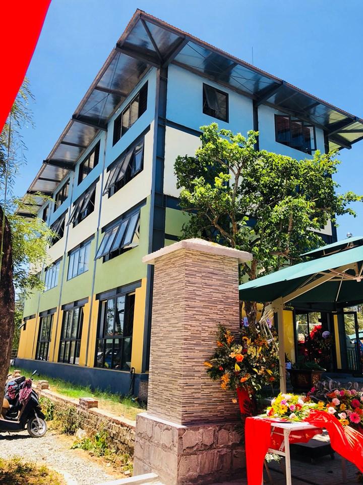 Thi công cửa nhôm kính khu nghỉ dưỡng Phú Minh Gia